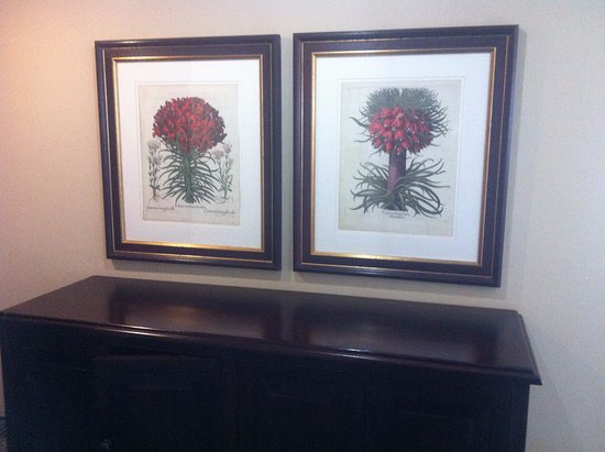 Royal Hotel: Flowers on this cabinet would add a beautiful element