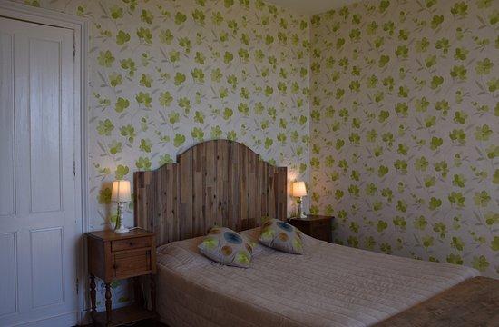 Domaine de Bellevue Cottage - chambre d'hôtes bnb, cabane dans les arbres, gite à Bergerac: Chambre double Les Vignes