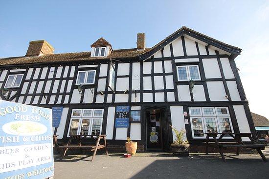 Dymchurch, UK: Outside of the Ocean Inn