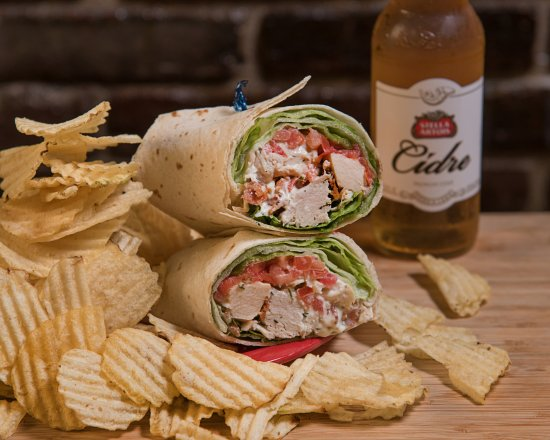 Pottstown, Πενσυλβάνια: Ice House Wraps. Enjoy with a cold craft beer or cider :)