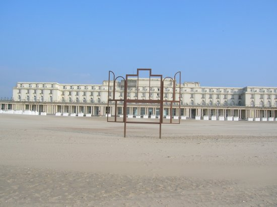 dos la mer du nord ce palais des thermes ostende picture of thermae palace hotel ostend. Black Bedroom Furniture Sets. Home Design Ideas