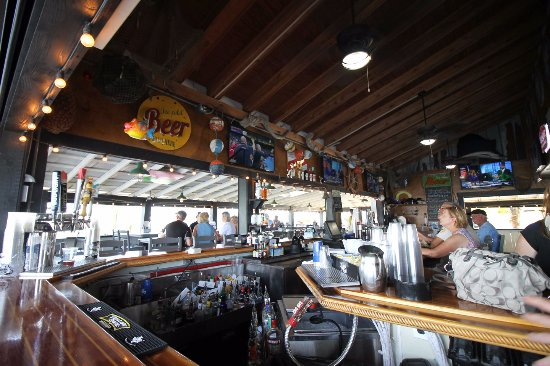 Dixie fish co bar picture of dixie fish co fort myers for Dixie fish company