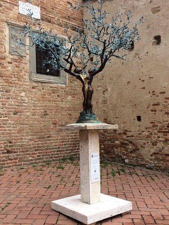 Certaldo, Italy: Albero della vita