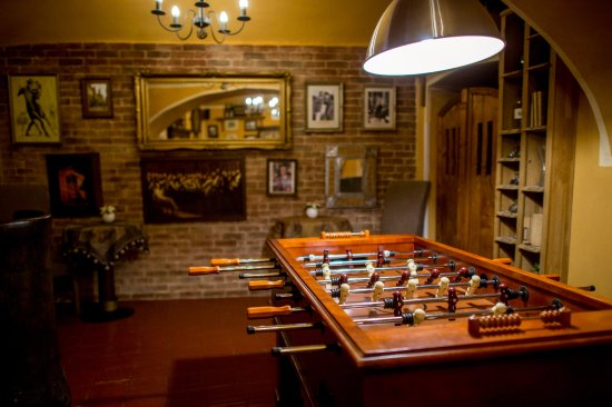 Hotel Salvator: Sport lounge