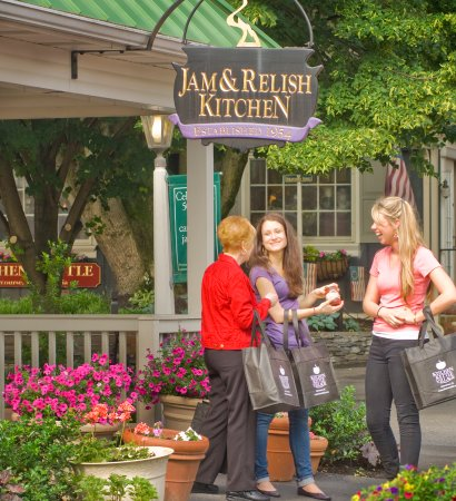 The Jam & Relish Kitchen at Kitchen Kettle Village