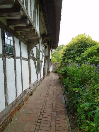 Alfriston, UK: The front of the house