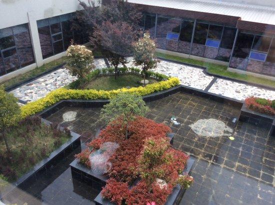 Botai Nyingchi Resort: Court yard