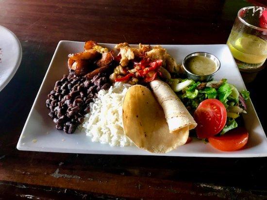 Barba Roja Restaurant: my casado lunch