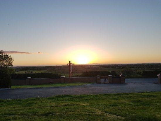 Creevagh, Ireland: Sunset from Kajon House