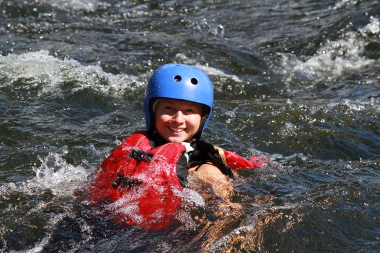 Are, İsveç: Swimming in the river on rafting