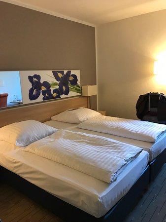 Niedernhausen, Alemania: 舒適+安靜的房間