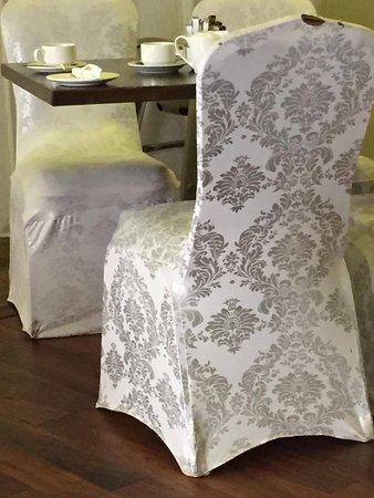 housse de chaise d t rior e picture of corralea court hotel tuam tripadvisor. Black Bedroom Furniture Sets. Home Design Ideas