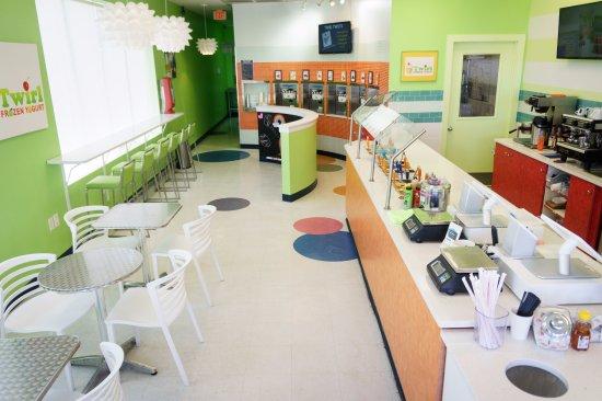 Twirl Frozen Yogurt : Plenty of seating