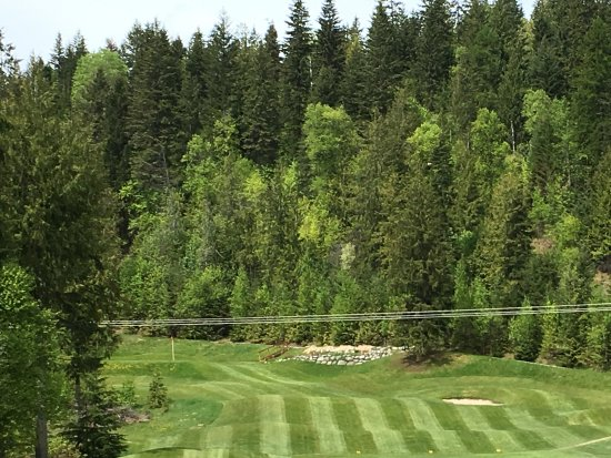 Balfour, Canadá: One of the holes on the back 9