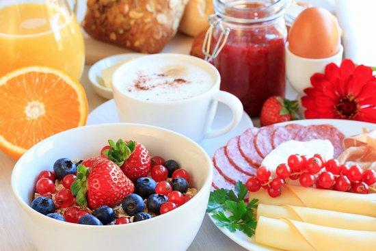 Bécancour, Canadá: Petit-déjeuner buffet (chaud et froid)