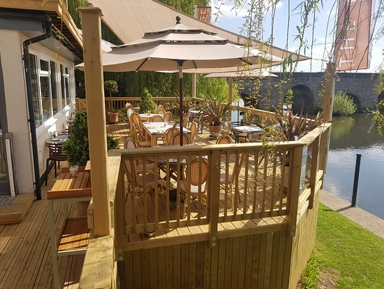 Bidford-on-Avon, UK: Our New Decking