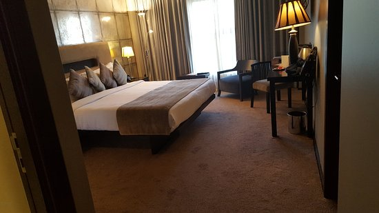 The Twelve Hotel Bild