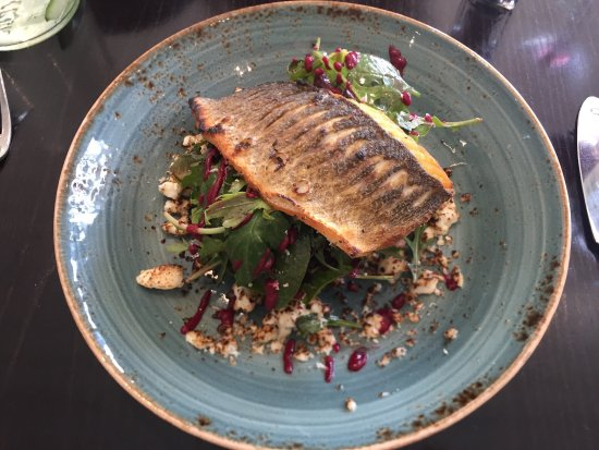 The Fish People Cafe: Sea bass with toasted goats cheese and beat root
