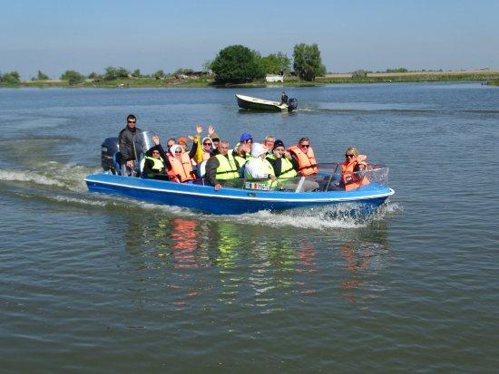 Mila Douazeci si Trei, Rumania: On one of the boat trips