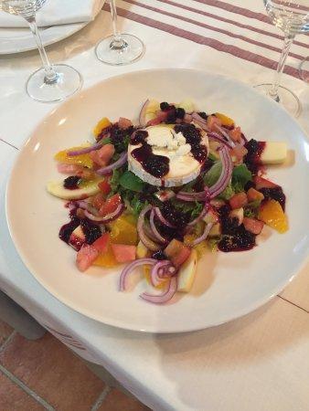 Valsain, Espagne : Un par de platos. Deliciosos!