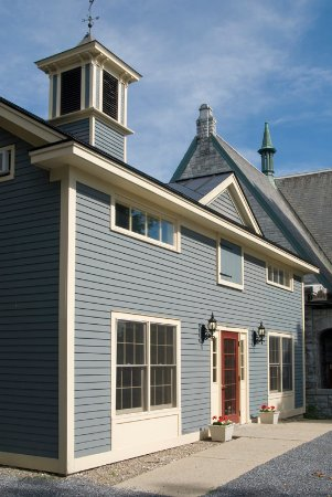 Middlebury, VT: The rebuilt Carriage House ... true to the original, but without the barn doors!