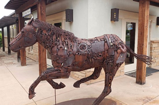 ‪‪Palisade‬, ‪Colorado‬: Lyle Nichols horse sculpture‬