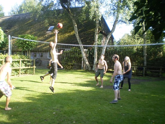 Dalen, The Netherlands: Volleybalveld Kozakkenhoeve