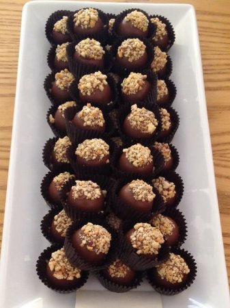 Brighton, Kanada: Just one of our many truffle options, Reese`s Pieces will never be the same!