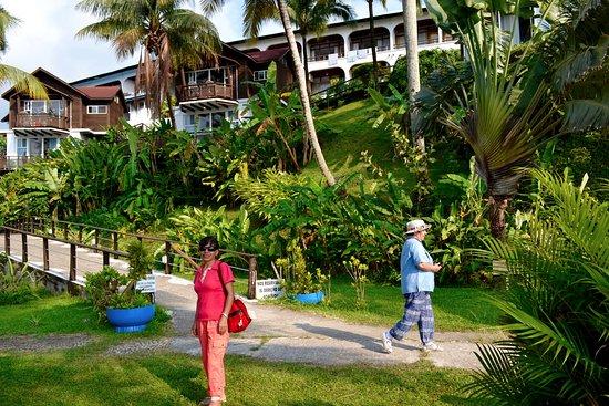 Hotel Villa Caribe: Entrada al hotel desde el embarcadero