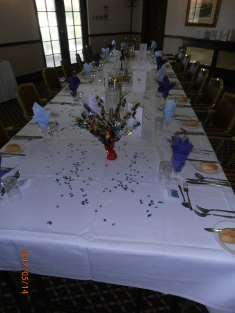Calcot, UK: The layout of the table for the party
