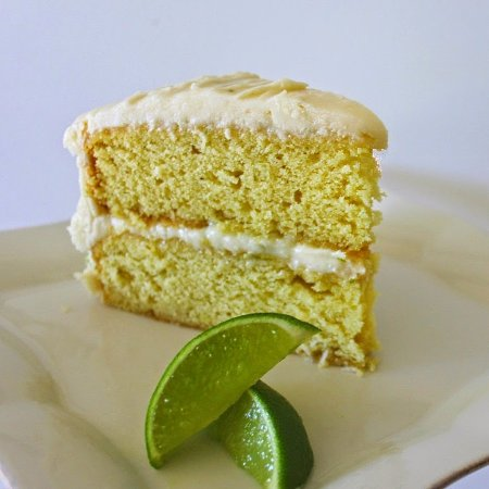 La Ferte Mace, Fransa: the Popular Lime & Coconut Cake