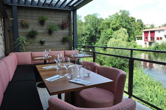 Restaurant L Auberge Du Chateau Clisson