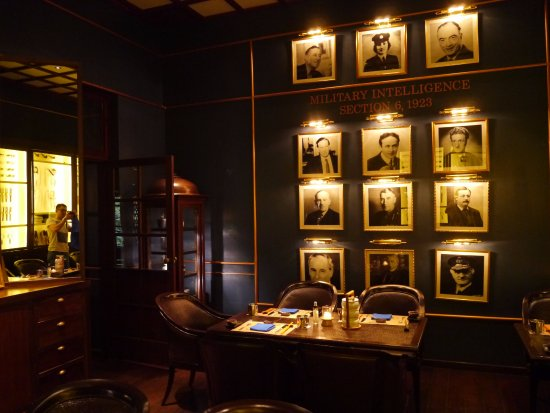 Inner decoration - Picture of The Service 1921 Restaurant & Bar ...