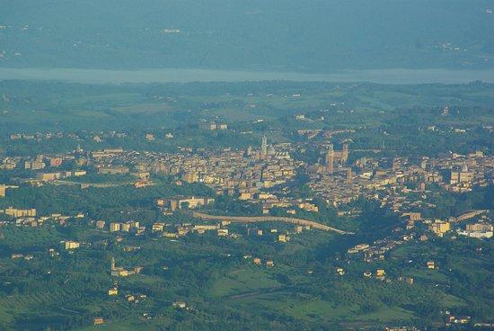 Montisi, Италия: Città di Siena da 2000mslm