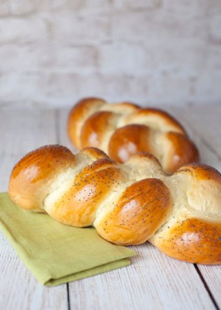 Mentor, OH: Challah