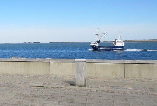 Loegstoer, Denmark: Fiskekutter på vej i havn