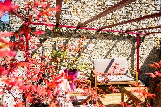 Petit d jeuner au jardin breakfast outside in the garden for Au jardin brunch