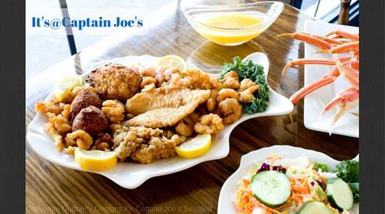 Jesup, GA: The Captain's Seafood platter with salad.