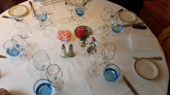 Julienas, Prancis: Voici la table qui vous attend