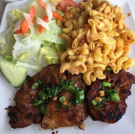 Milpitas, Californie : Grilled Chicken with Marcaroni