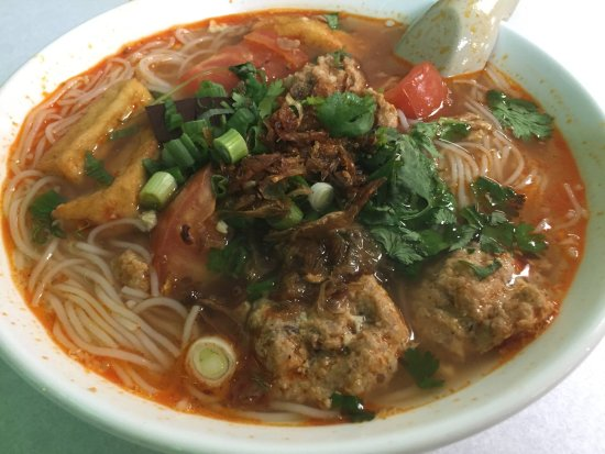 Milpitas, Kalifornien: Today's Special - Bun Rieu Crab & Shrimps Paste with Tomatoes Noodle Soup
