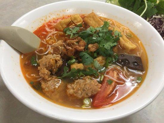 Milpitas, CA: Today's Special - Bun Rieu Crab & Shrimps Paste with Tomatoes Noodle Soup
