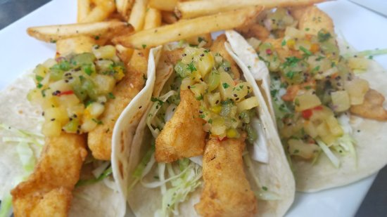 Pawcatuck, CT: Fish Tacos 1