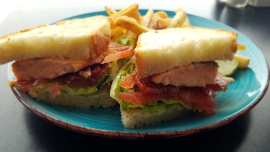 Pawcatuck, CT: Salmon BLT