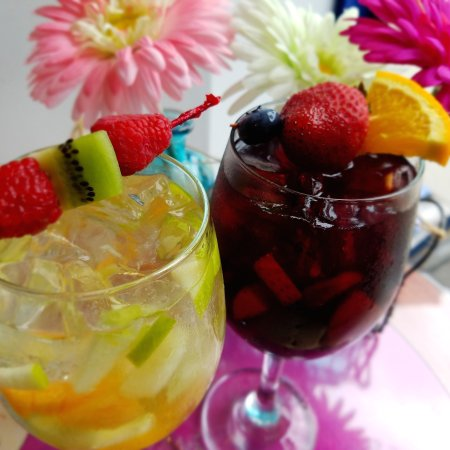 Pawcatuck, CT: Summer Sangria