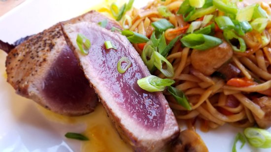 Pawcatuck, CT: Ahi Tuna