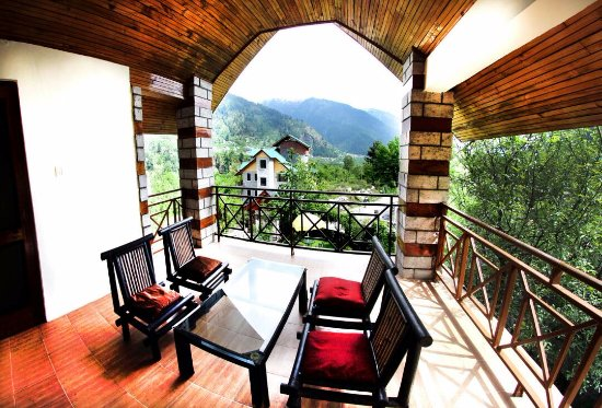 Hotel D Chalet Manali Review