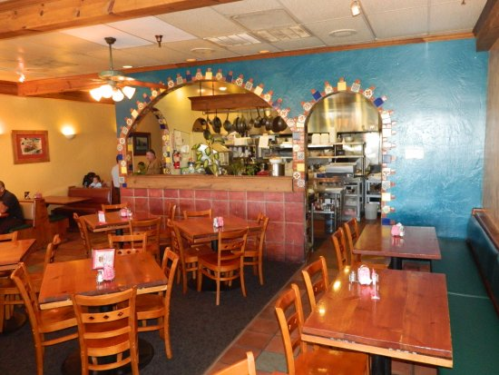 Madera, CA: Family owned restaurant offering our brand of Mexican hospitality
