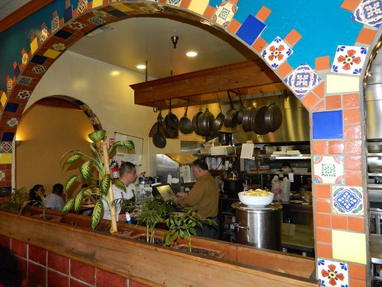 Madera, Kalifornien: Mexican Restaurant · Caterer · Family Style Restaurant