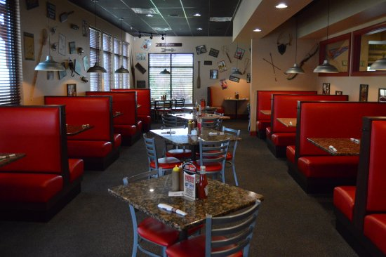Cookeville, TN: Rib City Dining